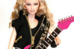 Madonna diventa una bambola e va in mostra a Milano