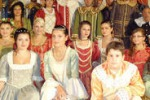 Sfilata a Vallelunga, in abiti nobiliari tra le vie del paese