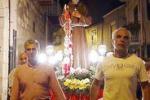 Mussomeli, San Pio tirato con le funi: la tradizione si rinnova