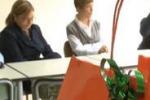 Gela, imprenditori donano quaderni e matite ad una scuola