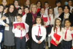 Serata per l'Unicef a Riesi, piccoli coristi sul palco