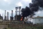 Incendio alla Raffineria di Gela: tutte le immagini
