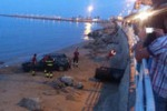 Gela, perde il controllo dell'auto e finisce in spiaggia: due illesi
