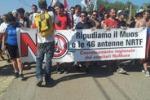 Protesta No Muos a Niscemi, un migliaio in corteo: le immagini