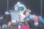 Aci Sant'Antonio, i rifiuti invadono le strade