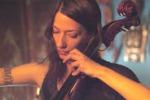 La violoncellista Julia Kent in concerto a Catania