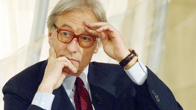 Vittorio Feltri non è più giornalista: