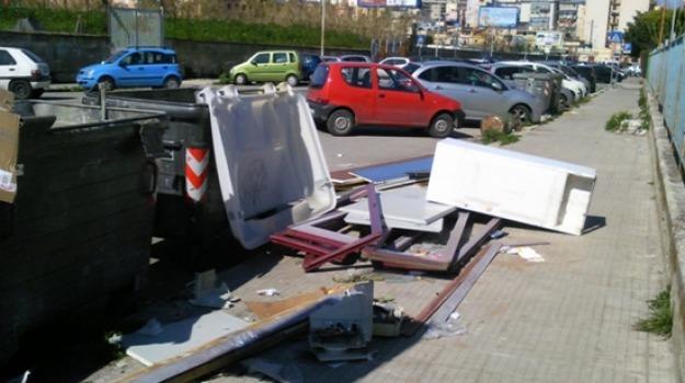 rifiuti ingombranti caltanissetta, Caltanissetta, Cronaca