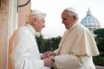 Il Papa fa visita a Benedetto XVI per gli auguri di Natale
