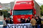 Via Perpignano, la protesta dei commercianti - di Gigi Petyx