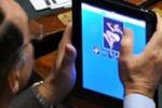 Deputato alla Camera su un sito di escort sull'iPad