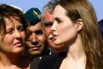 Lampedusa, Angelina visita gli immigrati