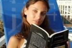 Tendenze d'estate: relax e un libro in spiaggia