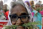 India, gli anziani in corteo per le pensioni