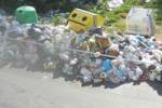 Cronache loro. Scia di rifiuti nelle vie Sirio e Sagittario a Palermo