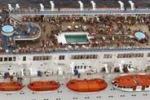 Incendio sulla Costa Allegra: gli scatti della nave alla deriva