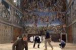 Conclave, al lavoro per preparare la Cappella Sistina