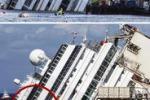 Rotazione della Concordia, la nave ha raggiunto i 10 gradi