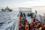 Immigrazione, continuano i soccorsi: un disperso