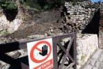 Un altro crollo a Pompei, viene giù il muro di una bottega