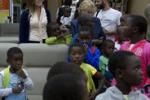 In Italia i bimbi congolesi adottati: la Boschi li accoglie