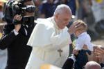 """Il Papa in Molise: """"Genitori, perdete tempo con i vostri figli"""""""