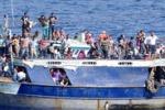 Immigrazione, oltre 2500 soccorsi nel weekend: le immagini