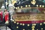 Alba Adriatica, carrozza e banda per l'addio al capo Rom