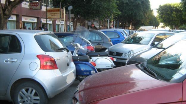 auto in doppia fila, Palermo, Cronaca