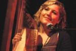Gillian Grassie, l'arpista statunitense live ad Enna
