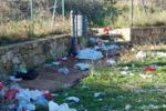 Aidone, discarica nel parcheggio dell'area archeologica