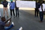 Rivolta a Piazza Armerina, migranti occupano la strada