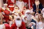 """Il """"meeting dei Babbo Natale"""", riunione generale a Berlino"""
