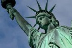 Riapre la Statua della Libertà dopo l'uragano Sandy