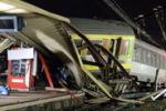 Treno deragliato in Francia: gli scatti della tragedia