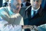 Papa: ragazzi non siate cristiani part-time o inamidati