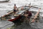 Il ciclone Utor travolge le coste delle Filippine