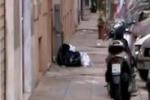 Palermo, doppia fila selvaggia in via Prati