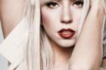 Lady Gaga modella a Parigi sfila per Mugler