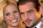 Michelle Hunziker, baci ad Amburgo con Tomaso Trussardi