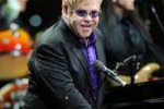 Malattia respiratoria per Elton John: sospesi i concerti