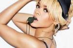 Rihanna sempre piu' sexy in posa per Esquire