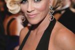 Playboy, torna Jenny McCarthy: cosi' pago la scuola a mio figlio