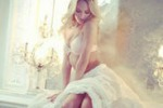 La Swanepoel sexy per Victoria's Secret: gli scatti su Twitter