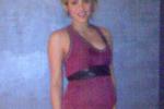 Shakira mostra il pancione su Facebook