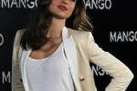 Miranda Kerr nuovo volto di Mango posa a Madrid