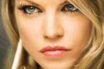 Fergie e' incinta, l'annuncio della cantante su Twitter