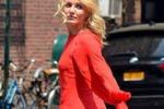 Cameron Diaz in abito rosso sul set