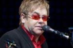 """Elton John, duro attacco contro """"The Voice"""": crea nullità"""
