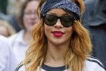 Giornata al luna park per Rihanna: le foto